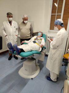 Piede diabetico, donata una poltrona da 7mila euro al reparto di diabetologia