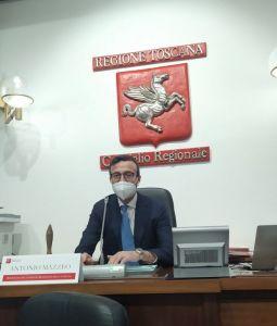 antonio mazzeo presidente consiglio della regione toscana