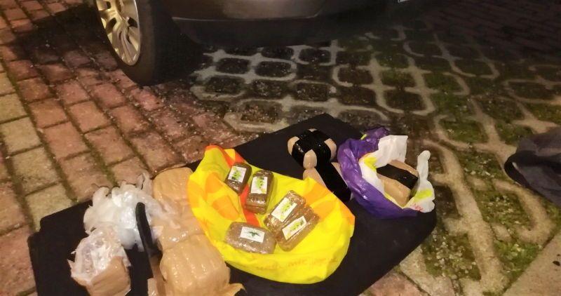 4,2 chili di droga al posto della ruota di scorta. In manette cittadino tunisino