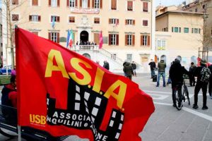 Manifestazione Asia Usb per casa, affitti e sfratti. Ceraolo risponde alle nostre domande (Video)