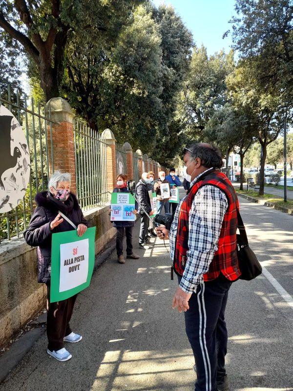 No ospedale nel Parco Pertini, il Flash Mob