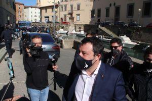 Salvini Tornerò a Livorno, abbiamo un credito da incassare, poi risponde su perchè l'Europa