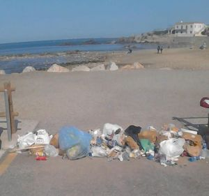 Spiaggia del Sale ripulita dai rifiuti abbandonati