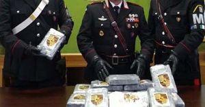 'Ndrangheta, 23 arresti in italia. L'indagine partita da Livorno col ritrovamento di 183 kg di cocaina spiaggiati