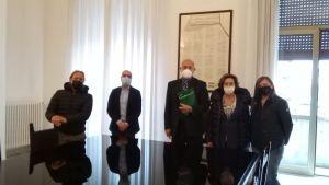 """""""Portiamo le imprese fuori dalla pandemia"""", Confesercenti incontra prefetto e sindaco"""