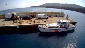 Elba la Capitaneria rimuove materiale destinato ad ormeggi abusivi