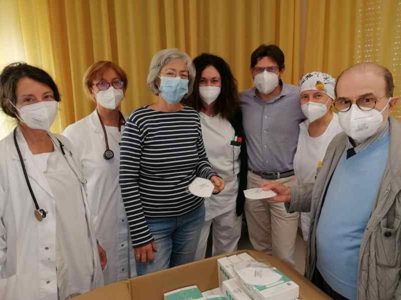 Hospice Livorno, mille mascherine donate donate dall'associazione Cure Palliative