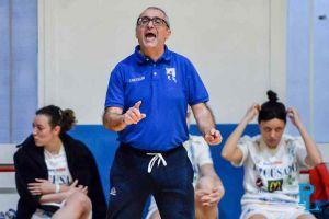 LUCA_CASTIGLIONE_pielle_livorno_basket_femminile