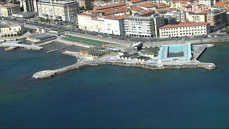 Pasqua, Livorno deserta, le immagini dall'elicottero della polizia