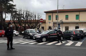 Tunisino scende dal treno a Cecina con 15 dosi di cocaina, arrestato dai carabinieri