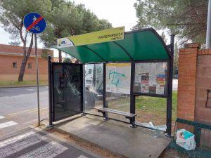 Vandalizzate pensiline degli autobus a Cecina