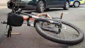 incidente auto bicicletta
