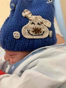 Ostetricia Livorno, le nonne donano 50 cappellini fatti a mano ai neonati