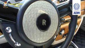 Pelle di coccodrillo nell'auto, sequestrata Rolls Royce