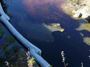 Perdita in tubo della raffineria Eni, sversamento di greggio nel fosso Capannone