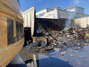 Stazione ecologica, domato l'incendio di rifiuti ingombranti