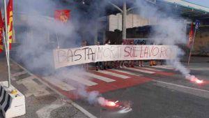 Ottima adesione al primo sciopero USB in Porto. Bloccato il varco Vallesini