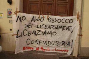 Sblocco dei licenziamenti, Potere al Popolo protesta davanti a Confindustria
