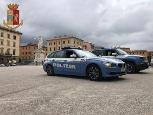polizia 113 auto piazza della repubblica