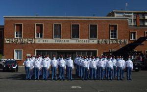 61 futuri ufficiali dei carabinieri in visita a Livorno