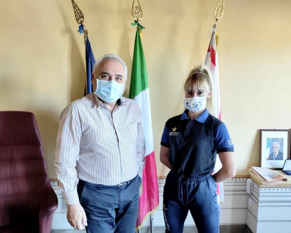 Rosignano, Donati riceve Sofia Causarano qualificatasi al campionato italiano Fijlkam