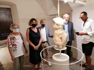 """Inaugurata a Capraia la mostra """"La Venere e i Marmi Dussol"""""""