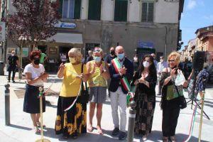 Salvetti e Viviani inaugurano la nuova piazzatta all'Origine