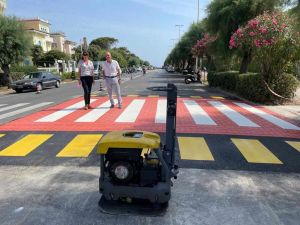 lavori passaggi pedonali viale italia