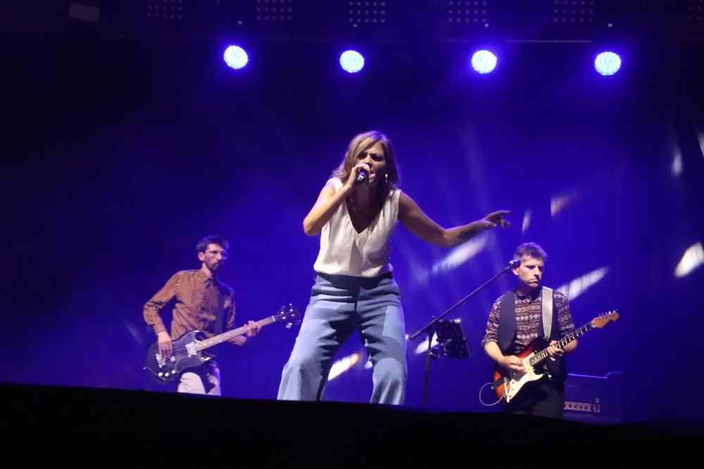 Irene Grandi canta sul palco di Effetto Venezia