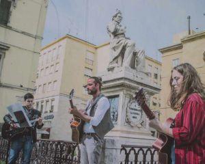 Livorno dal vivo, ecco i manifesti dei potagonisti che tappezzano la città