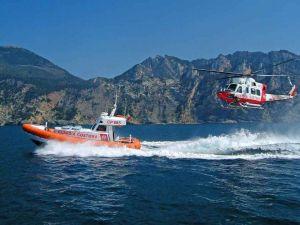 guardia costiera elicottero e motovedetta