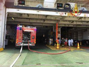 Principio d'incendio sul Moby Cargo, le fiamme scaturite nel locale generatori