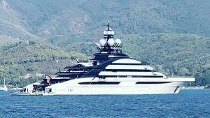 Elba Vip, lo yacht Lady M del magnate russo Alexey Mordashov ha fatto tappa a Portoferraio