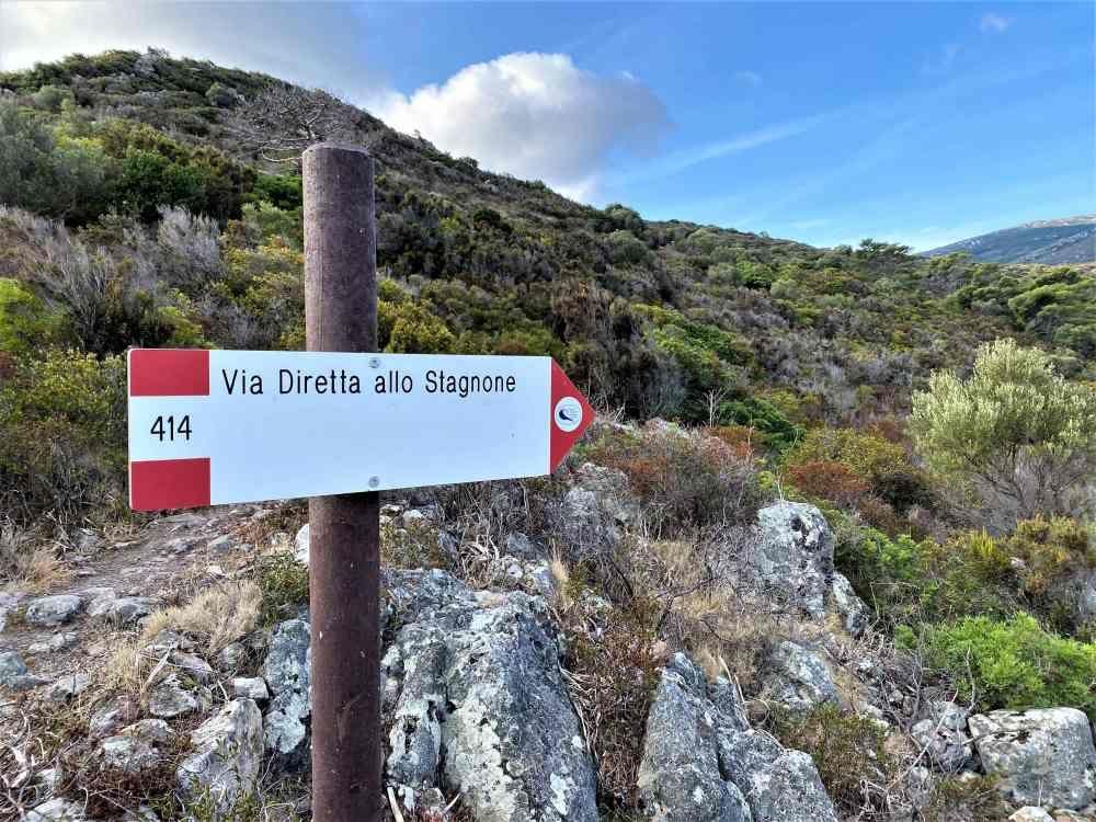 Una rete di sentieri nel parco dell'Isola di Capraia