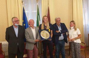 Volley: Pietrini, la campionessa d'Europa premiata dal sindaco Salvetti