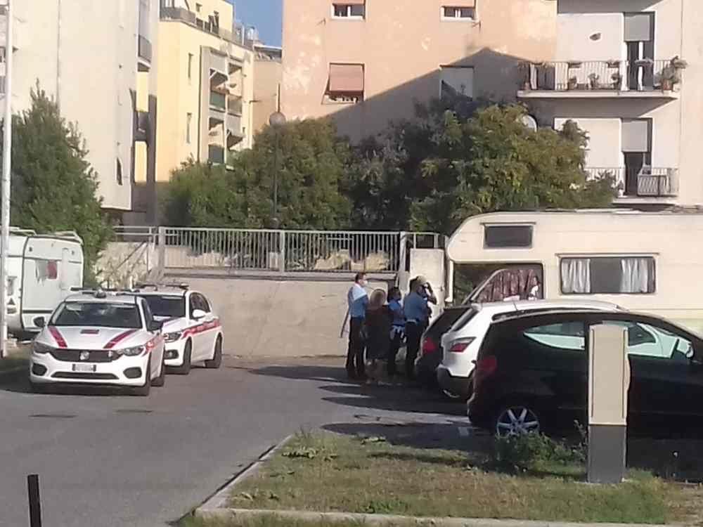 """Camping viale della Libertà, interviene la municipale, residenti: """"Che sia la volta buona?"""""""