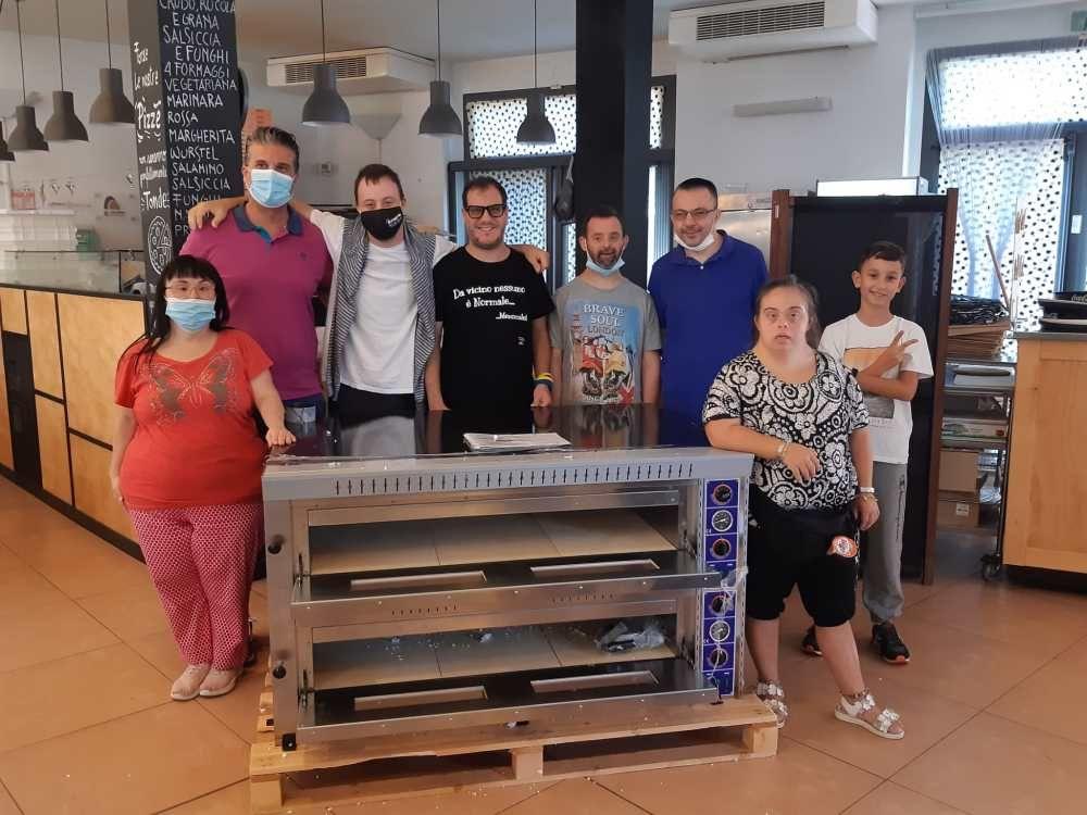 Donato un forno professionale per pizze al Parco del Mulino