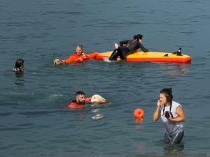 Mattina di addestramento al salvataggio per i cani del Sics