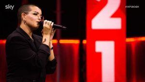 """Febe conquista la sedia ai Bootcamp X Factor. Tradita"""" dallo switch di Mika la cede a Fellow"""