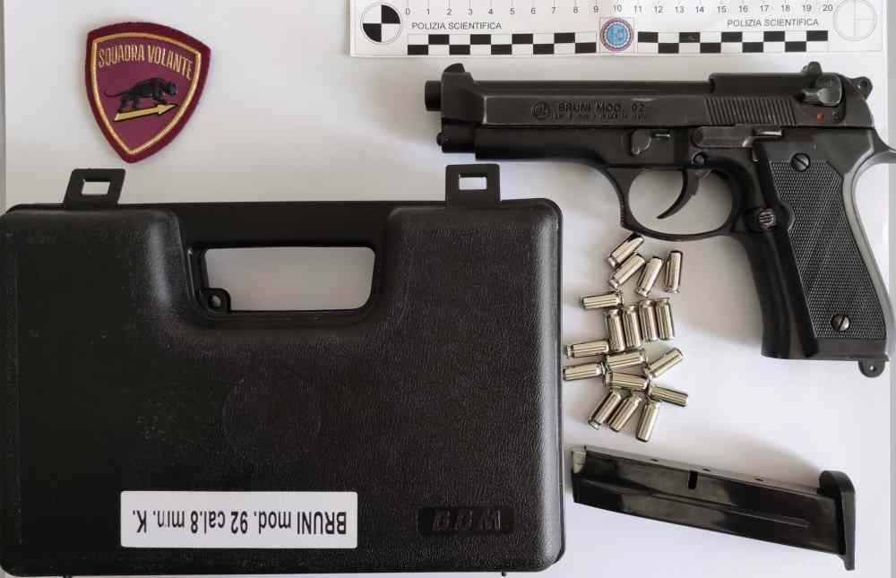 Controlli nel Pentagono, sequetrata pistola e proiettili